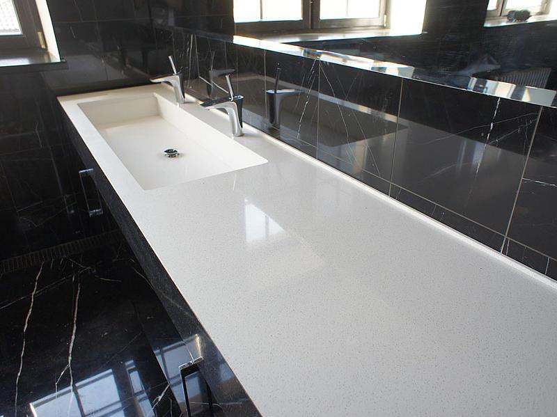 Пластиковая столешница для ванной