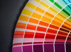 Покраска фасадов МДФ: подбор краски и особенности процедуры