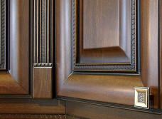 Основные преимущества и недостатки мебельных фасадов из дерева для кухни