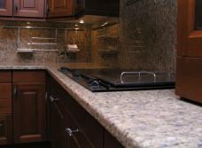 Столешница для кухни, какую выбрать: преимущества и недостатки основных видов