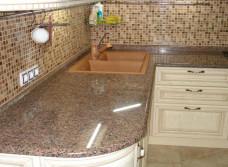 Замена столешницы и фартука на кухне