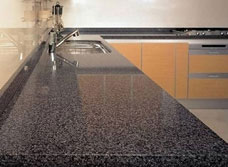 кухня цвет фасада квазар фреза столешница альмандин стекло бронза
