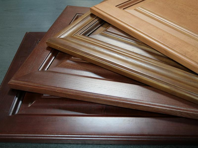 Кухонные дверцы из массива дерева