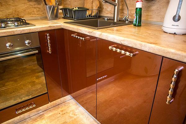 Оригинальные аксессуары для кухонной мебели: создание уникального стиля