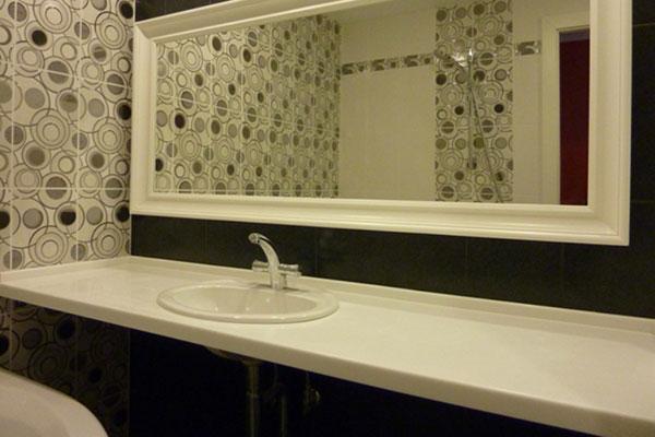 Выбор столешницы для ванной: основные виды, их характеристика