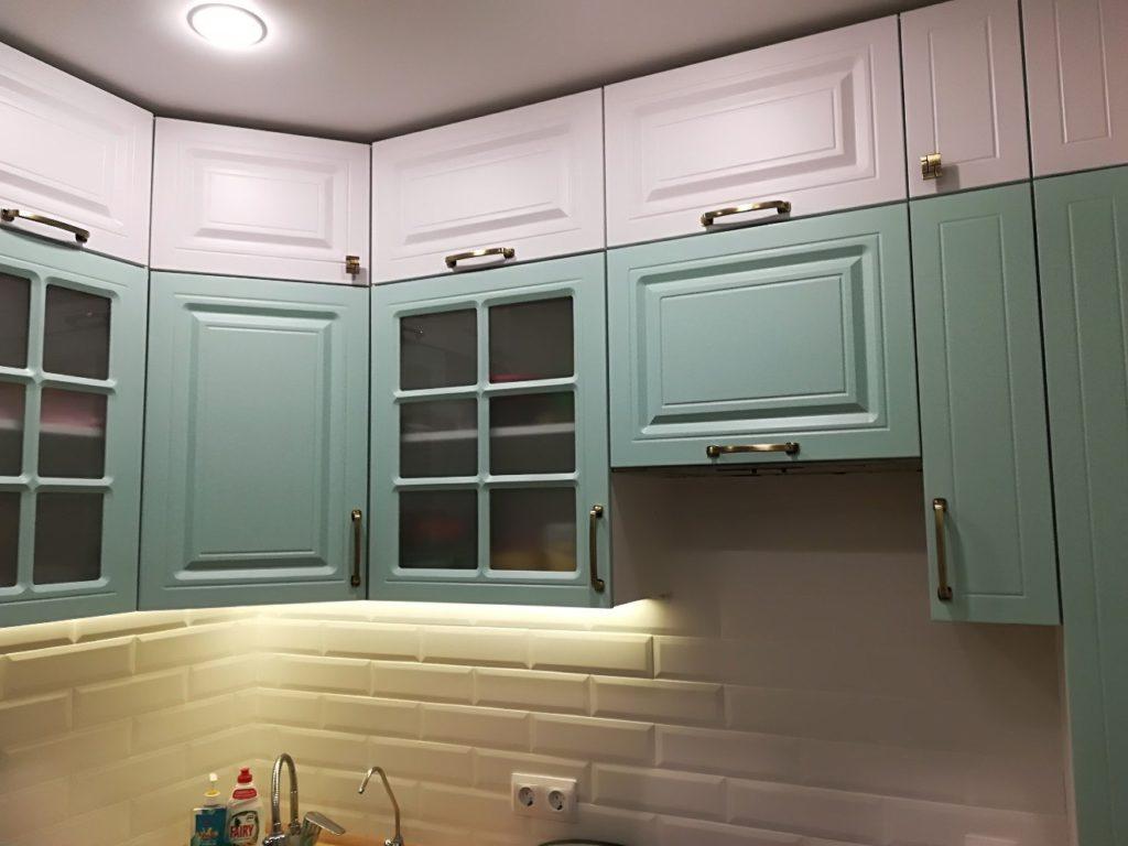 Покраска кухонных фасадов как способ реставрации мебели